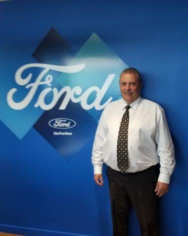 Geoffrey Johnson : Sales Manager