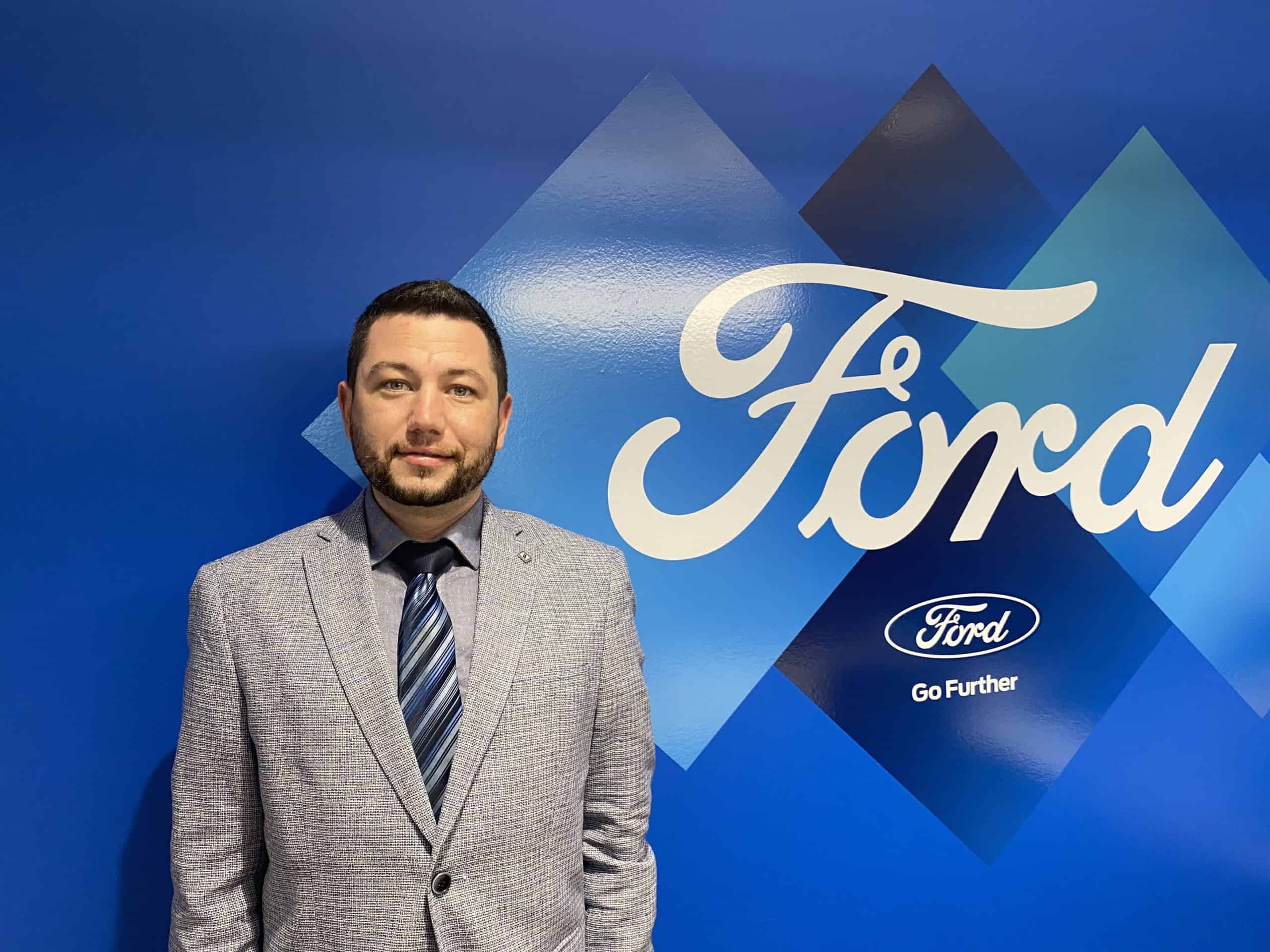 Josh Silverman : Financial Service Manager