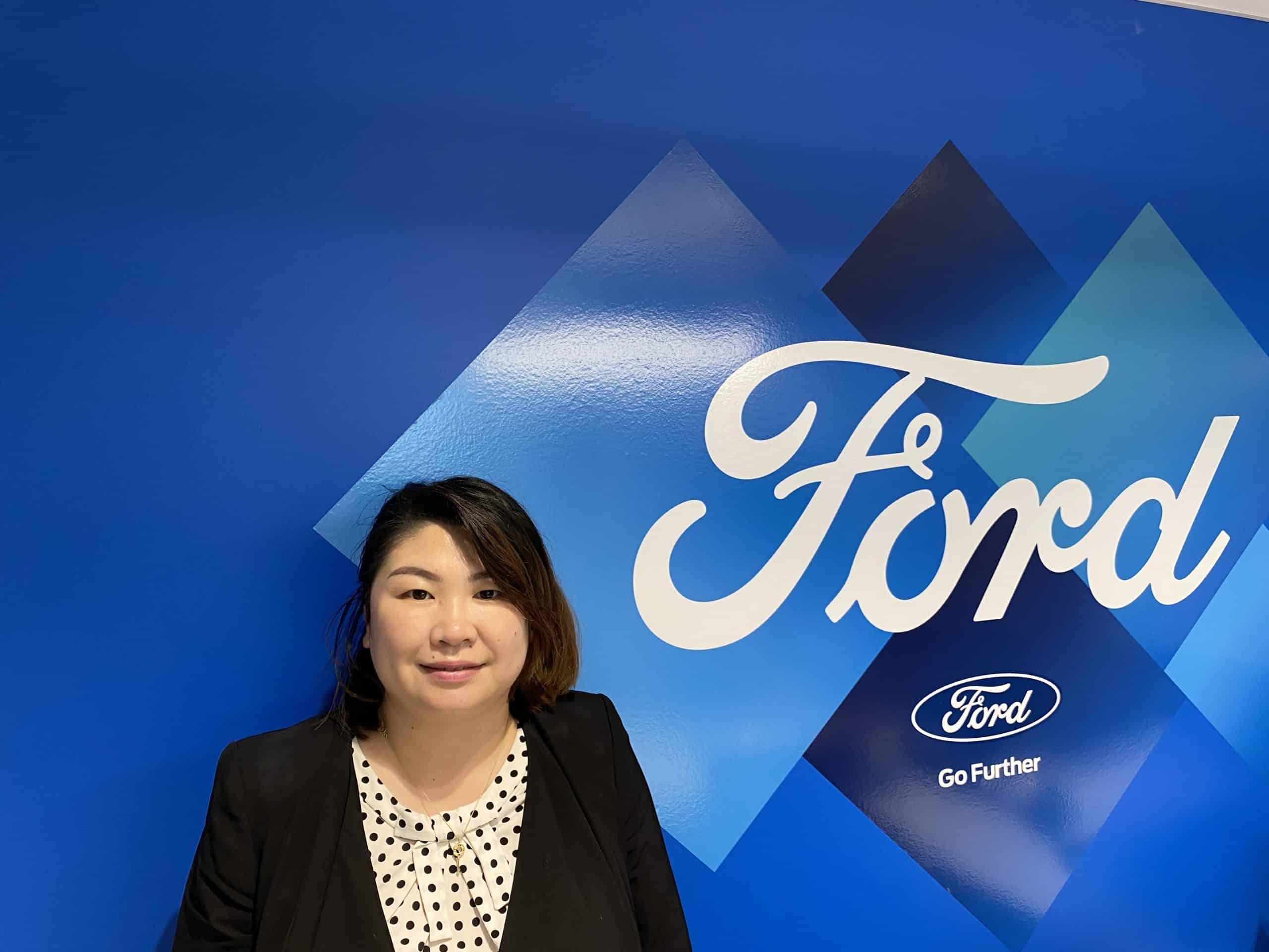 Menqiu Liu : Sales Representative