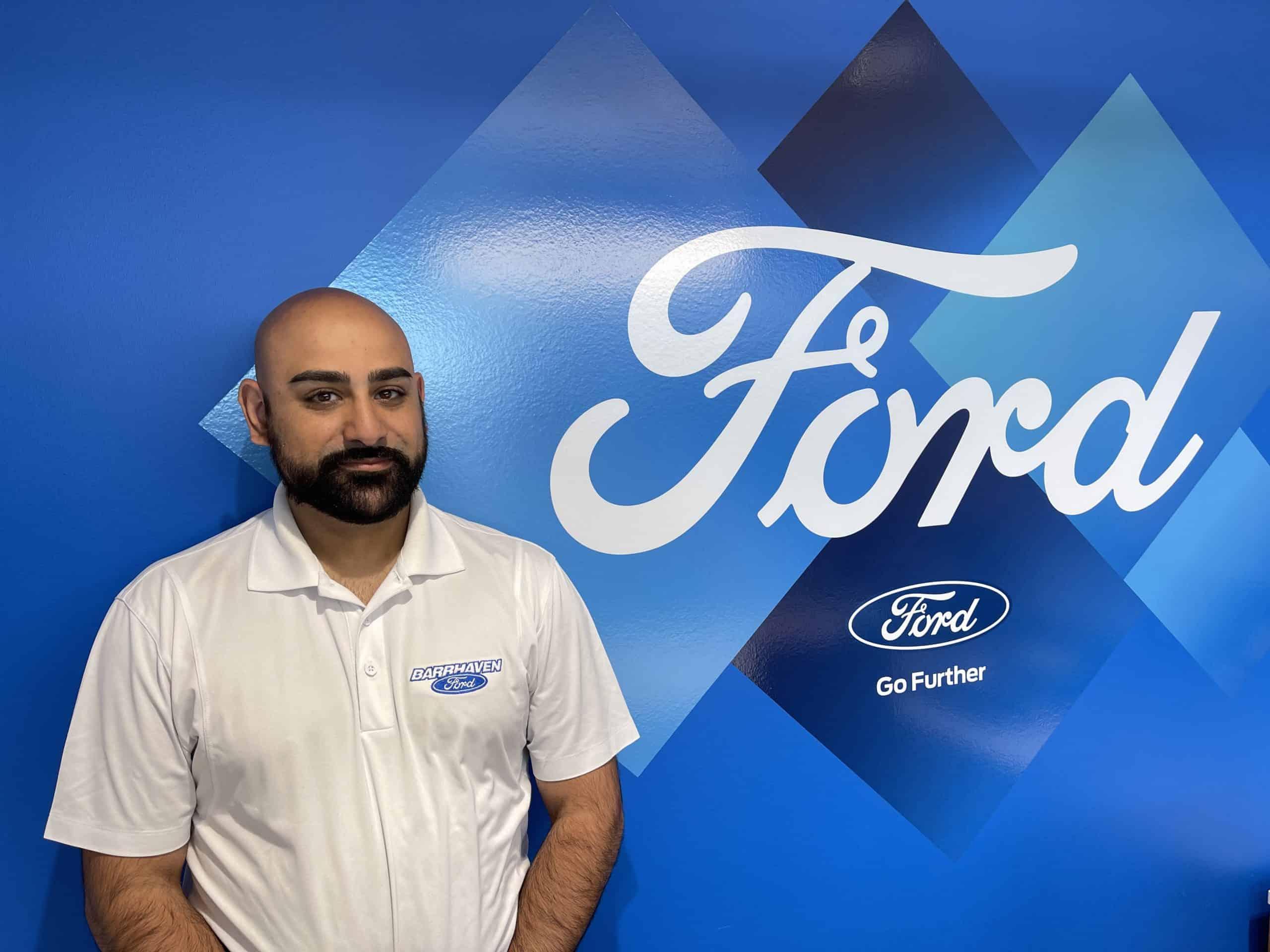 Aziz Abbass : Service Advisor